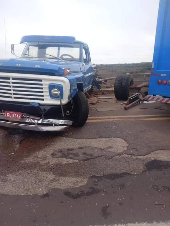 Caminhões colidem na Ponte de Rosário – Em Questão